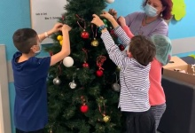 Disneyland Parijs schenkt Kerstversieringen