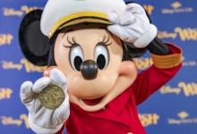 Kapitein Minnie Mouse neemt het roer over van de Disney Wish