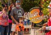 Artiest die deelnam aan de parade op de openingsdag keert terug naar Walt Disney World met zijn kleinzoon